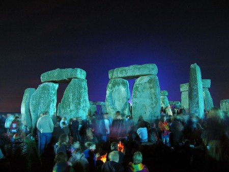 Stonehenge en el solsticio de verano. Foto tomada por Andrew Dunn