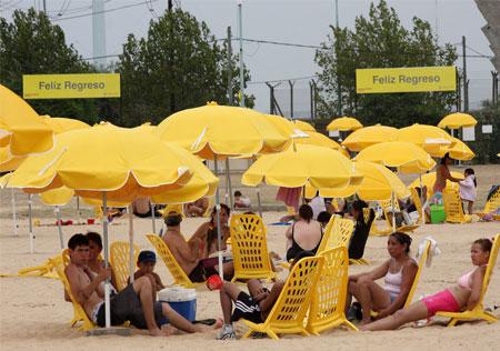 Playa artificial en Parque Roca, Buenos Aires