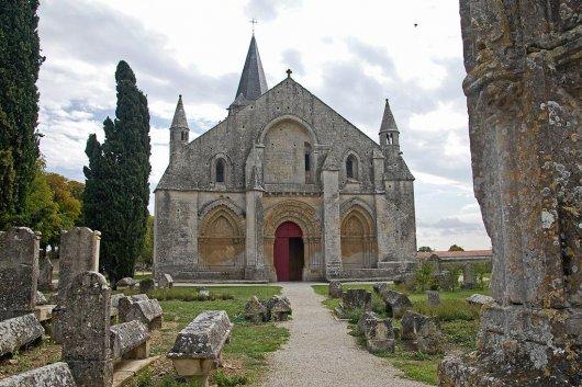 Iglesia de Saint-Pierre d'Aulnay 2