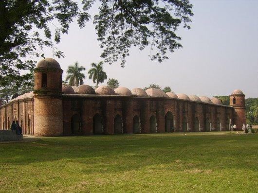 Mezquita de los Sesenta Domos 1