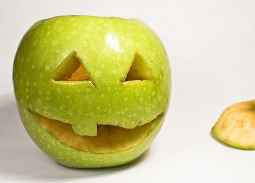 Halloween Snap Apple