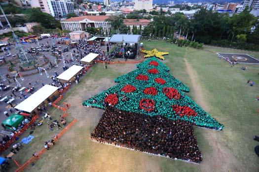 récord árbol de navidad humano honduras
