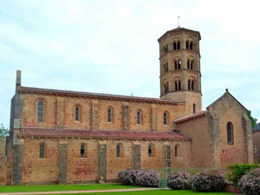 Iglesia de Anzy le Duc 1